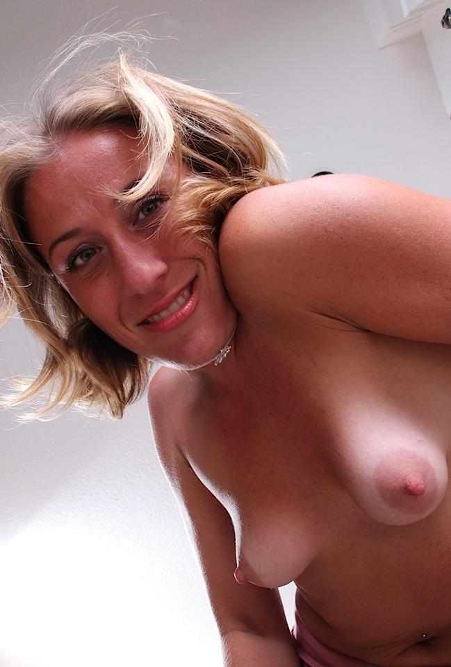 Durchtriebene Bräute wollen erotisches Vergnügen.