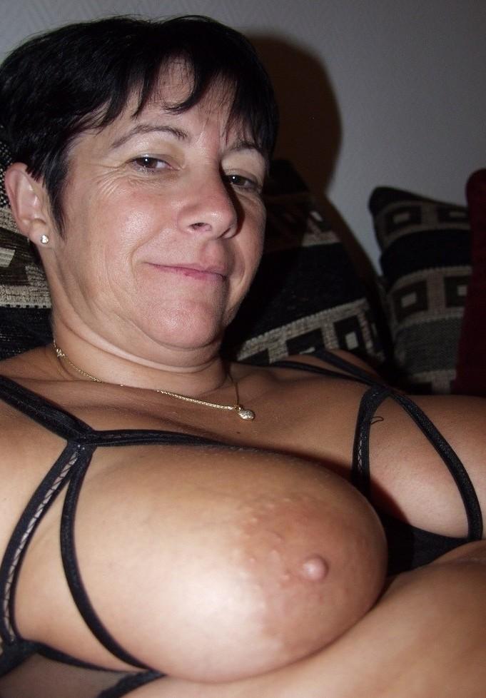 Willige Oma will wildes Sexverhältnis.