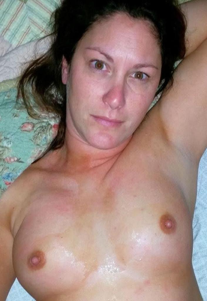 Aufgeschlossene Milfs wollen sinnliches Sexvergnügen.