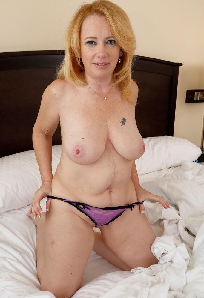 Rassige Hausfrau sucht erotisches Fickabenteuer.