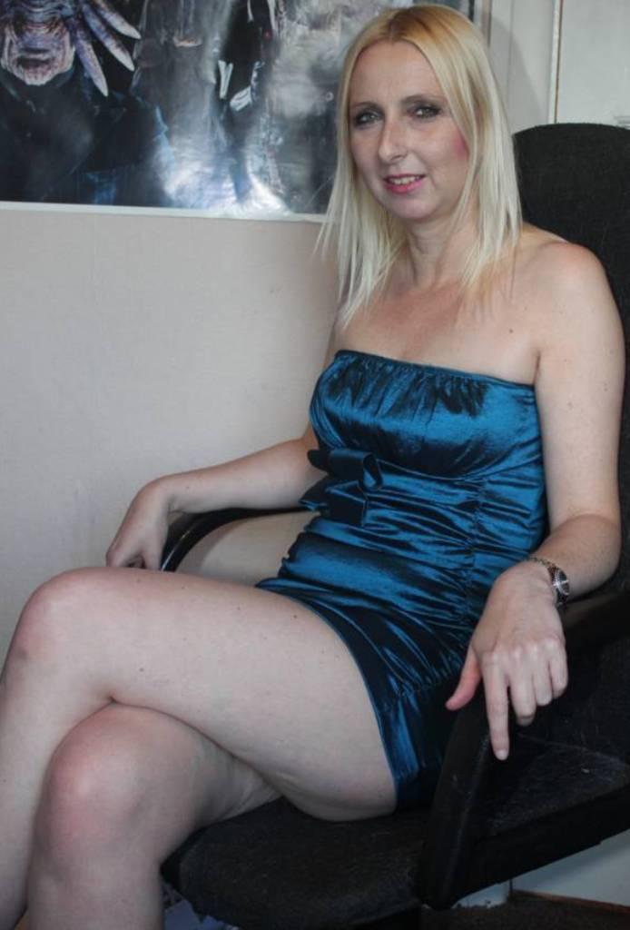 Reale Hausfrauen wollen reizvolles Sexabenteuer.