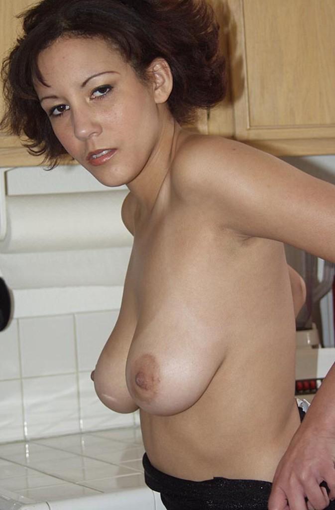 Hübsche Hausfrau am Wochenende poppen.