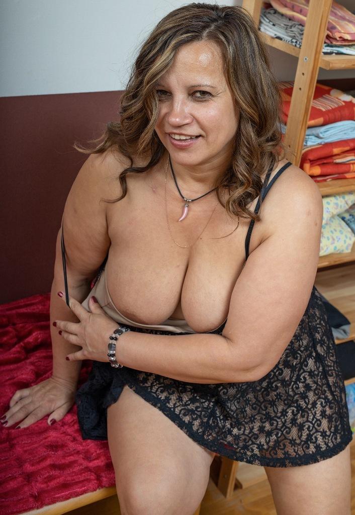 Echte Oma sucht erotisches Abenteuer.