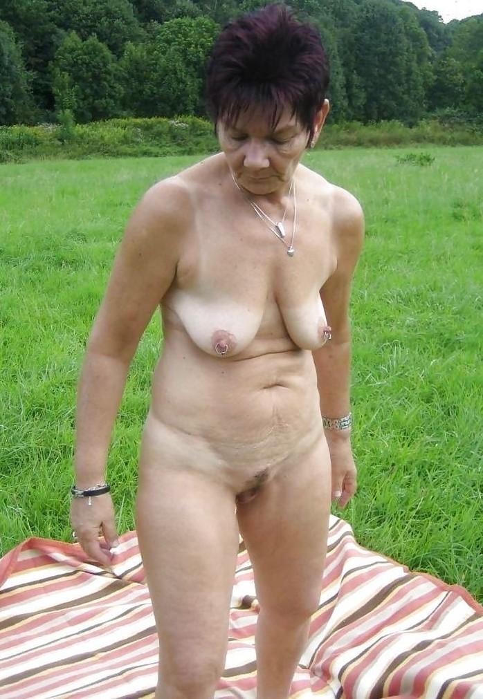 Fickwillige Frau in Deiner Nähe bumsen.