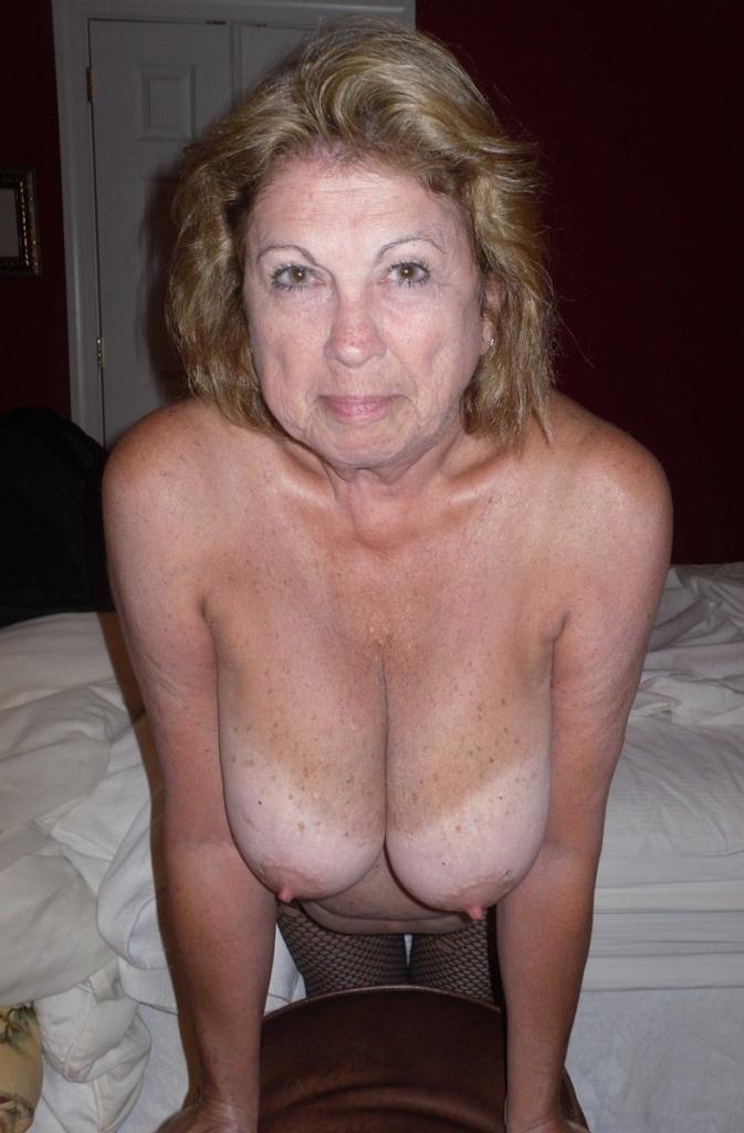 Sexgeile Ehefrauen heute abend bumsen.