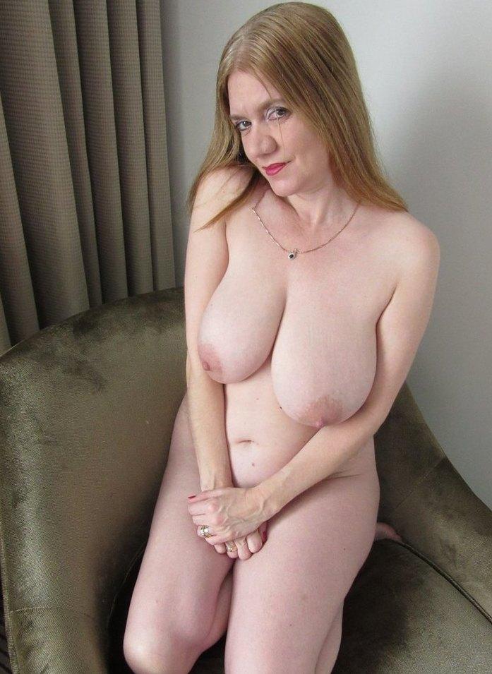 Sexgierige Bitch will sinnliches Verhältnis.