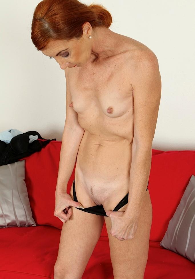Sexgierige Hausfrau heute abend verführen.