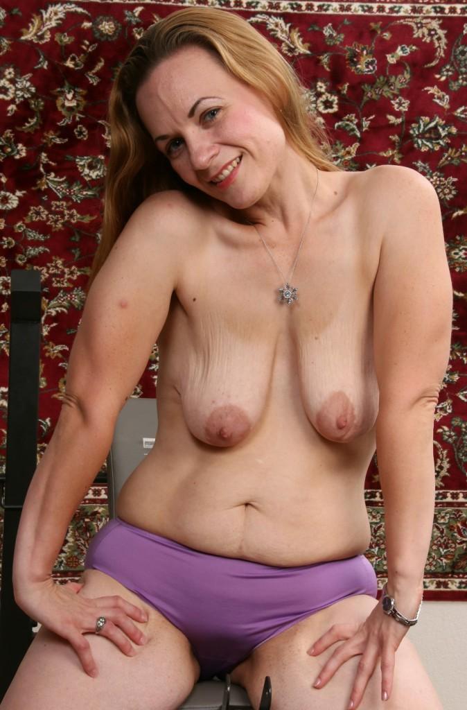 Sexgierige Hausfrauen aus Deiner Umgebung flachlegen.